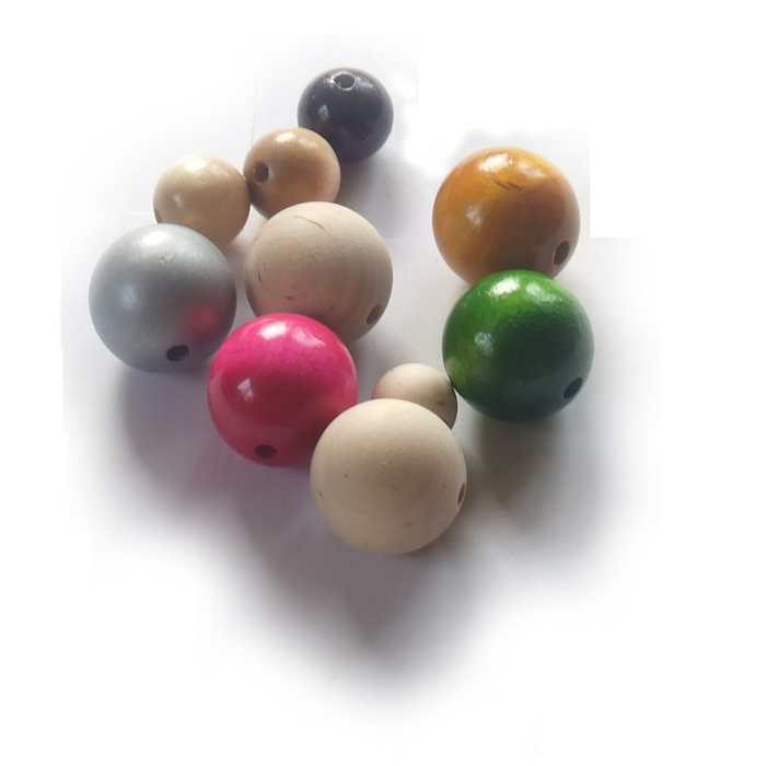 Turned wooden balls KUL001